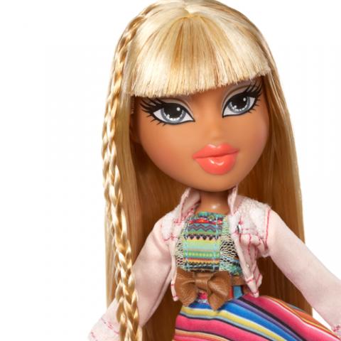 Bratz Study Abroad Doll Raya to Mexico  AGE 5+
